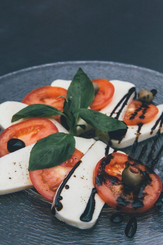 balsamico - balsamvinäger och mozzarella